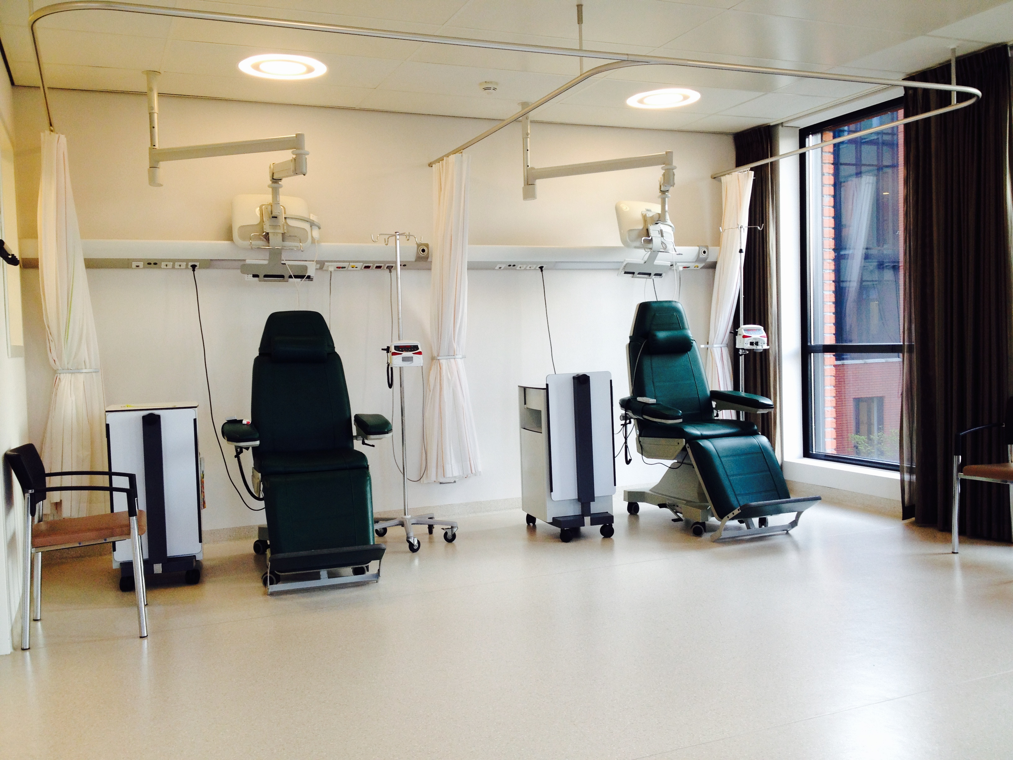 Je kunt op oncologie kiezen voor een bedje of een stoel. Hier de stoelen!